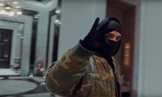 Дрейк в своём новом клипе советует носить маску и перчатки